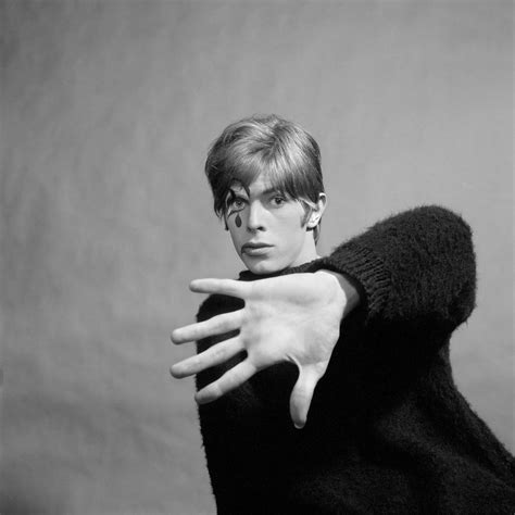David Bowie Unseen: A Hidden 1967 Photoshoot - Flashbak